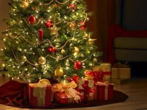 christmas-tree-gifts-400x300